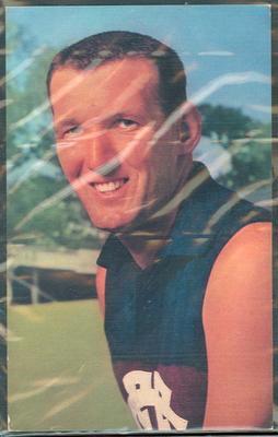 1964 Mobil VFL Footy Photos Allen Lynch trade card