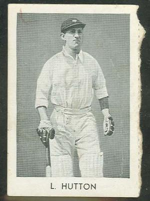 1947 Radio Fun Famous Test Cricketers L Hutton trade card; Documents and books; M11738.11