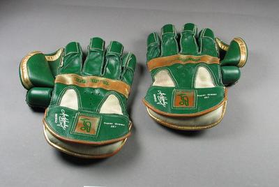 Wicketkeeping gloves, worn by Ian Healy c1994-95