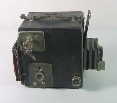 Graflex camera with a retractable lens  used by T.H.'Harry' Morris