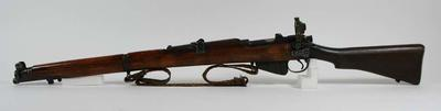 Rifle, used by Percy Pavey c1930s-40s; Sporting equipment; 1994.3074.1