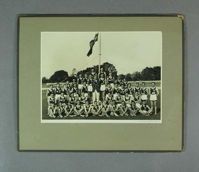 Photograph of Victorian team, Australian Athletic Championships 1948; Photography; Artwork; 1994.3095.58