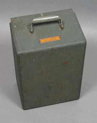 Ets Souzy scoring meter covering  lid used in 1956 Olympic Games - Fencing; Sporting equipment; 1993.2938.5.2