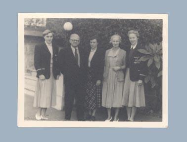 Photograph of Winsome Cripps, Verna Johnston & Shirley Strickland in 1952 Olympic Games uniforms; Photography; 2003.3903.800