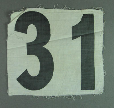 Competitor's number worn by Shirley Strickland, 1952 Olympic Games