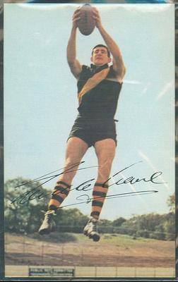 1965 Mobil Footy Photos Neville Crowe trade card