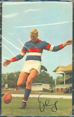 1965 Mobil Footy Photos John Schultz trade card