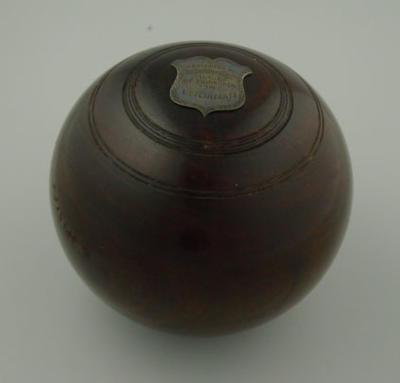 Lawn bowl, used by Louis Belinfante