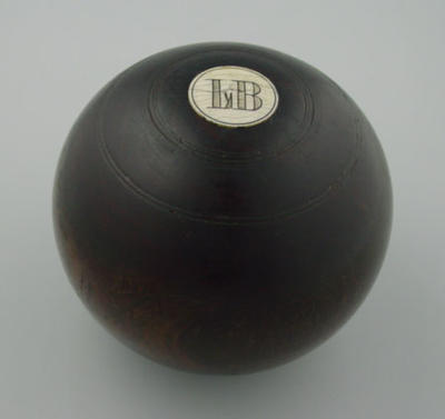 Lawn bowl, used by Louis Belinfante