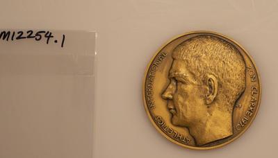 Commemorative medal, Ron Clarke athletic career