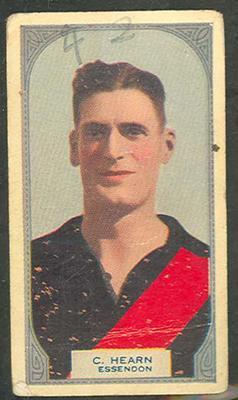 1933 Hoadleys Victorian Footballers Clarrie Hearn trade card