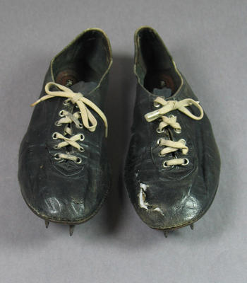 Leather running shoes, worn by Shirley Strickland at 1956 Olympic Games