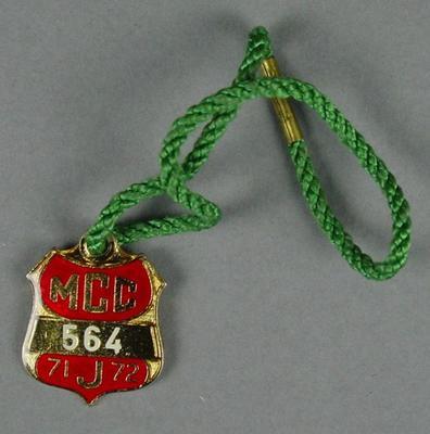 Melbourne Cricket Club junior membership medallion, 1971-72