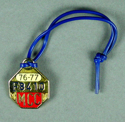 Melbourne Cricket Club membership medallion, 1976-77