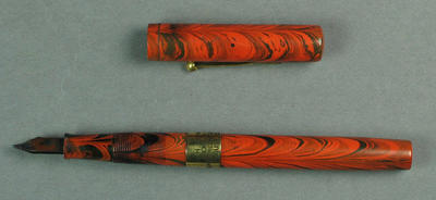 Fountain pen, presented to A H Richards by J B Hobbs - August 1925