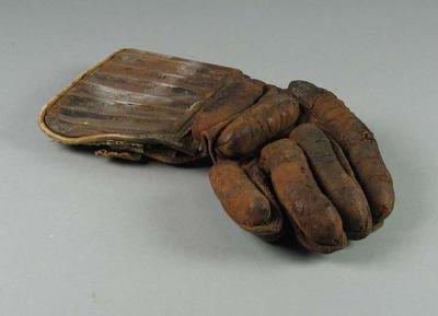Lacrosse glove c. 1930-60
