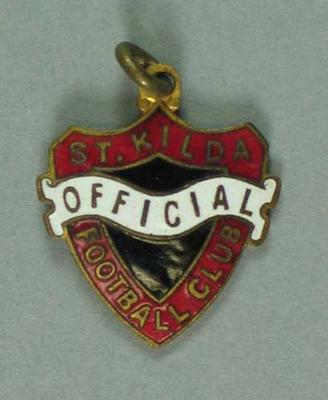 St. Kilda Football Club  badge - Official -  No. 14; Trophies and awards; 1987.1494.1