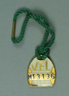 V.F.L. Park Member's Badge M13136, Season 1973