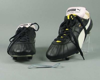 """Pair of Puma """"Royal"""" football boots"""