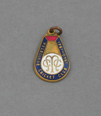 Melbourne Cricket Club country membership medallion, season 1940-41
