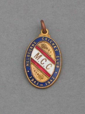Melbourne Cricket Club country membership medallion, season 1941-42
