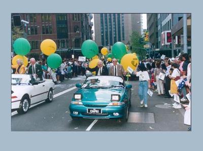 Photograph of motorcade, part of Sydney 2000 Olympics bid festivities