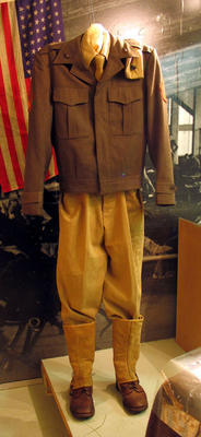 US Marines uniform on mannequin, WWII style