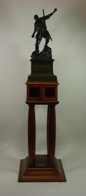 Wooden pedestal for sculpture, c1921; Domestic items; 1991.2408.2