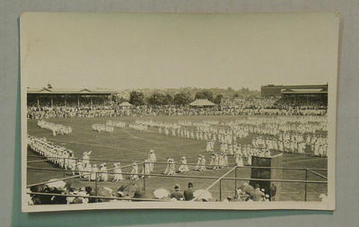 Postcard - Folk Dance, State School Children display at MCG 19/12/16; Documents and books; M7304.1