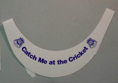 "VCA sun visor, ""Catch Me at the Cricket""; Sporting equipment; M7367.2"