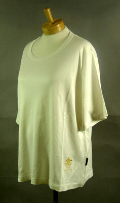 T-shirt, 2004 Australian Olympic Games team uniform; Clothing or accessories; 2005.4230.6