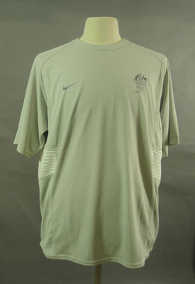 T-shirt, 2004 Australian Olympic Games team uniform; Clothing or accessories; 2005.4230.36