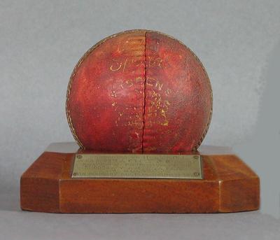 Cricket ball & stand, presented to H de V Moll by Rhodesian Cricket Union - 1936