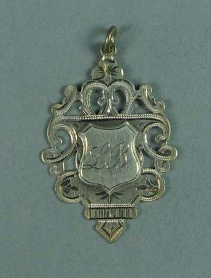 Medallion presented to Lily Beaurepaire for being part of a swimming squadron in 1908
