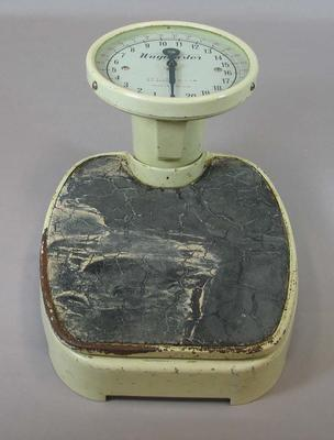 Set of scales, used to weigh swimmers and divers at 1956 Olympic Games