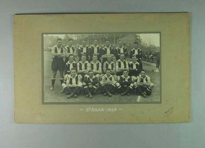 Mounted black and white photograph of the St Kilda Football Club team 1925; Photography; 1987.1491.2