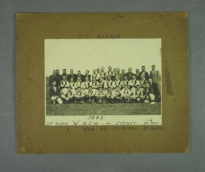 Photograph of St Kilda football team in Sydney, 15 September 1945