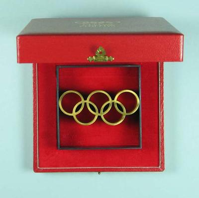 Desk ornament featuring Olympic Rings
