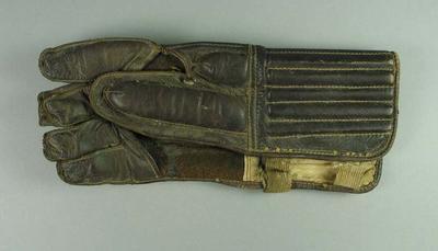 Lacrosse glove, leather