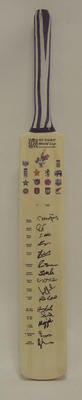 2003 Cricket World Cup commemorative bat, signed by Pakistan team