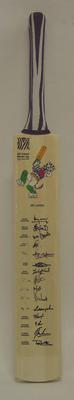 2003 Cricket World Cup commemorative bat, signed by Sri Lankan team