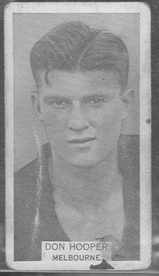 1933 W D & H O Wills Footballers Don Hooper trade card