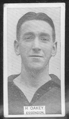 1933 W D & H O Wills Footballers H Oakey trade card