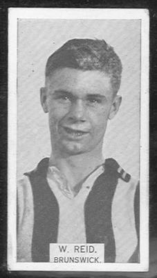 1933 W D & H O Wills Footballers W Reid trade card
