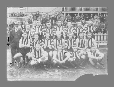 Glass negative, image of Collingwood Football Club team - 1932