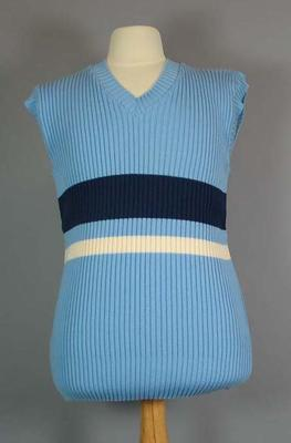 Cricket jumper, believed to have been worn by Graham Gooch; Clothing or accessories; M4908