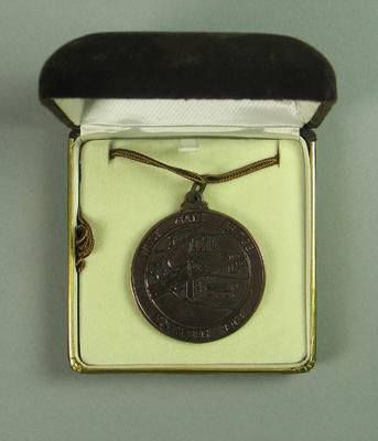 Medal commemorating the construction of the Westgate Bridge, presented to Bernard Callinan