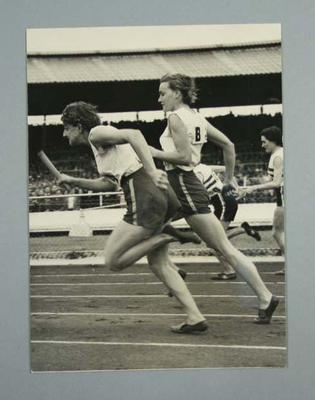 Photograph of Winsome Cripps and Marjorie Jackson during a relay race, 4 Aug 1952; Photography; 1998.3394.100.17