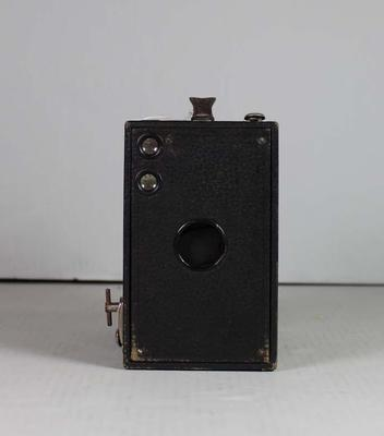 Camera - Box Brownie No.2-C used by T. H. 'Harry' Morris; Photography; 1995.3109.4