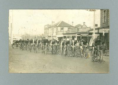 Photographic postcard - Bicycle Road Race in Colac in 1929